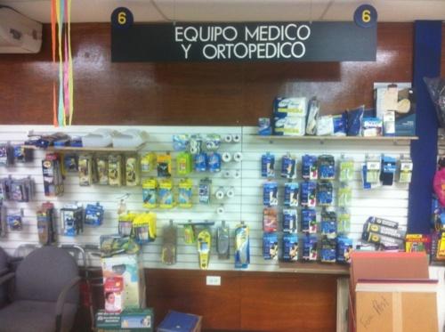 v•  Medicamentos de calidad y despacho de recetas •  Información relevante y útil sobre su bienestar •  Monitoreo de diabetes y pérdida de peso •  Productos naturales •  Asistencia médica 24/7