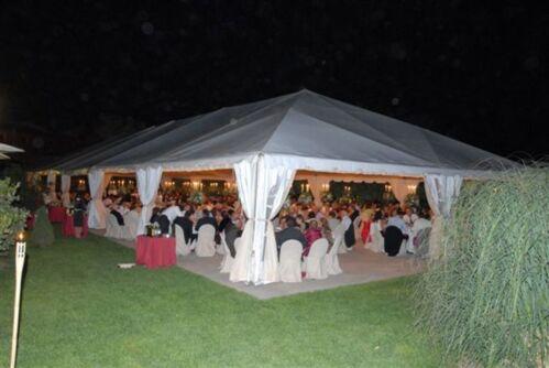 Alquiler y venta de sillas, mesas, manteles, cubre sillas, carpas, tarimas, pista de bailes y manufactura de carpas tipo canopy en todos los tamaños.
