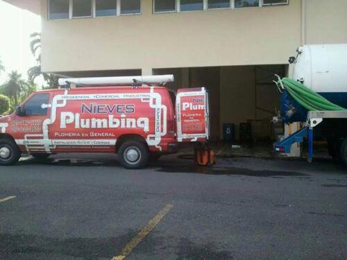 Nieves Plumbing Plomería Trampas/Grasa Cisternas/Reparación Y Limpieza Contratistas Por Especialidad - Plomería