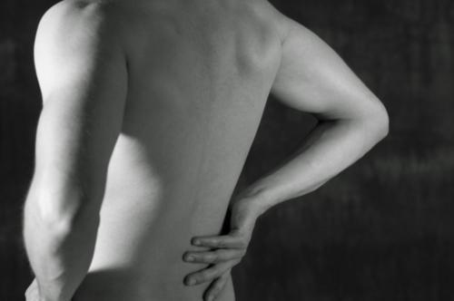 Se trata dolor y espasmos musculares en cuello y espalda, fracturas, artritis, bursitis, discos herniados, reemplazo de rodilla, artroscopia de rodilla y hombro entre otros. Carpal Tunnel Síndrome. También pacientes con Fibromialgia, Cirugia; hombros, codo, cadera, rodilla y tobillo.