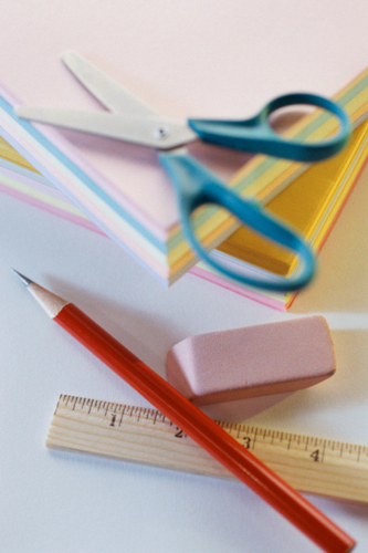 Servicio de Grabado en: Agendas, Bolígrafos, Placas, Trofeos y otros. Nuestros Servicios más solicitados son: Copias en B/N desde .03, Resume desde $4.99, Copias a Color desde .29 entre otros precios.