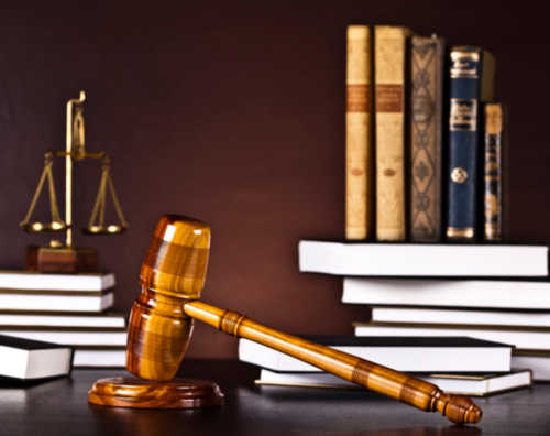 - Quiebras - Seguro Social por incapacidad - Casos de Derecho Civil - Derecho Laboral - Inmigración - Notaría en Genera