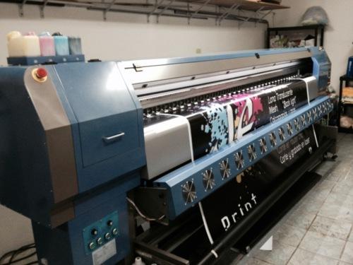 • Rotulación e Impresos • Print & Signs • Corte con router CNC • Grabado y corte con laser CNC • Doblado de acrílico y plástico • Corte de vinilo • Stand Banners