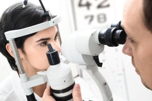 Exámenes de la vista y evaluaciones de retinopatía diabetica.
