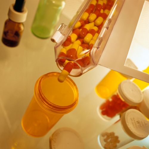 • Venta medicamentos • Efectos escolares • Equipo médico • Regalos • Colmadito • Productos de belleza • Entrega de medicamentos