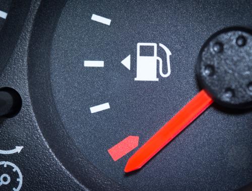 - Remolque de Auto - Carga de Batería - Cambio de Goma - Cerrajería Vial - Extracciones