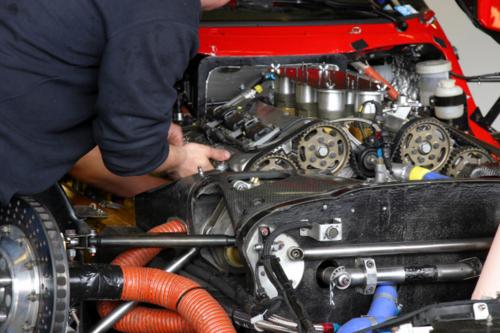 • Venta, Monturas y Reparación de gomas • Centro de lubricación • Centro de inspección para vehículos diesel y gasolina • Venta de Marbetes y Mecánica liviana
