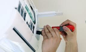 Contamos con un servicio de refrigeración de calidad y honestidad. Nos especializamos en chequeo preventivo y reparación de neveras. Instalamos, reparamos y hacemos mantenimiento de aires acondicionados.