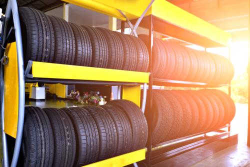Venta y reparación de gomas Venta de baterias y accesorios para autos Cambio de aceite y filtro Alineamiento computarizado, y más..