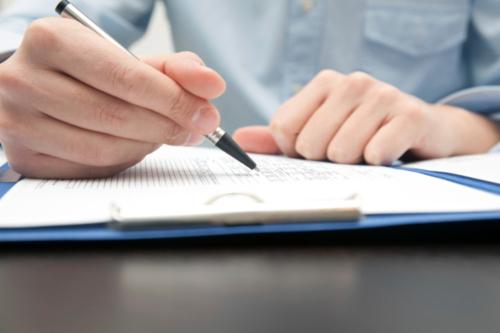 Notario CPA Casos Civiles Familia Criminales Herencia Daños Escritura