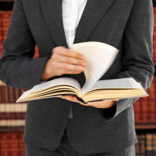 - Quiebras - Seguro Social por incapacidad - Casos de Derecho Civil - Derecho Laboral - Inmigración - Notaría en General