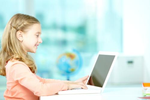 """- Enseñanza bilingüe - Educación desde Pre-Kinder a   Décimo Grado - Tecnología educativa virtual   (Digital) - Currículo en computación y   tecnología - Laboratorio de ciencias virtuales - Salón de """"Video Conference"""" - Horario Extendido - Asignaciones Supervisadas - Programa educación divertida - Apoyo técnico"""
