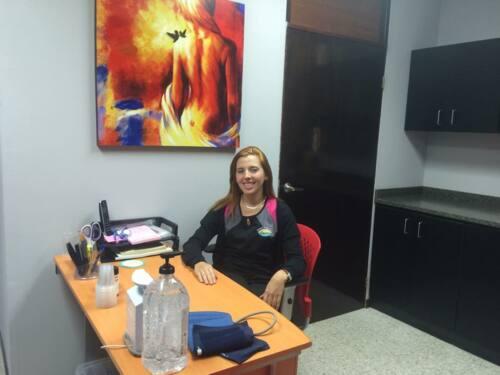 • Sonogramas Pélvicos • Sonogramas 4 - D • Endometriosis • Casos de infertilidad • VBAC/TOLAC • Embarazos de alto riesgo • Cirugías por laparoscopía • Pruebas de cáncer • Esterilizaciones • Cirugías Pélvicas