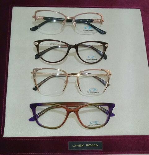 • Examen de la vista • Espejuelos • Lentes de Contacto • Gafas
