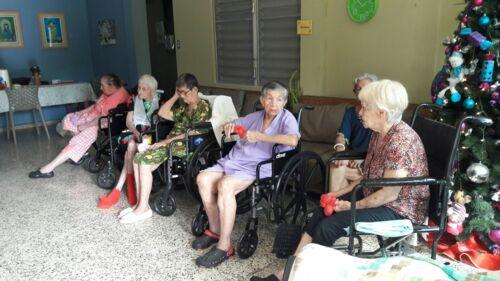 • Personal capacitado • Atención 24 horas. • Cuido para damas envejecientes