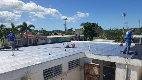 """• Trabajos Eléctricos - Instalación de Poste y """"Riser"""" • Lavado profundo y brillo de pisos • Sellado e impermeabilización de techos • Trabajos Residenciales, Comerciales e Industriales • Mantenimiento y Reparación de Piscinas • Poda de Árboles / Mantenimiento Áreas Verdes • Trabajos en Acero y Soldadura • Lavado a Presión y Pintura"""