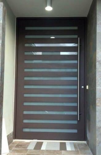 • Puertas y Ventanas de Seguridad  • Puertas Aluminio y cristal  • Ventanas de cristal y aluminio • Ventanas de Seguridad • Puertas Screen • Puertas de Baños • Balcones Aluminio • Pasamano Aluminio • Fachadas Comerciales • Terminaciones en cemento  • Screens