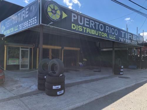 Distribuimos las gomas marca FARROAD en Puerto Rico. Brindamos servicio al por mayor y al detal. Además instalamos, rotamos, balanceamos y alineamos las gomas de su auto y/o camión en nuestro taller en Bayamón y le ofrecemos estos servicios a flotas comerciales e industriales. Reparamos las gomas con parcho ó inyección para poder alargar la vida útil de la goma afectada y enderezamos aros de metal.