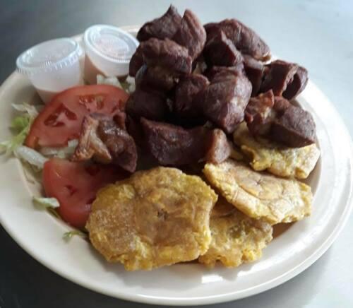 - Sandwiches de su preferencia - Aperitivos (Mozzarella Sticks/ Sorullitos/ Mini Gordon Empanadas) - Ensaladas y Conos (Carrucho/ Pulpo/ Camarones/ Mixtas) - Mofongos Rellenos (Carrucho/Pulpo/Camarones /Mixto Pollo/ Bistec/ Churrasco) - Burgers que Incluyen Papas - Complementos con todos nuestros platos **Pregunte por nuestras picaderas para grupos