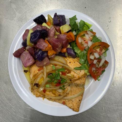•Comida vegetariana  •Comida vegana •Comida criolla •Comida caribeña •Barra