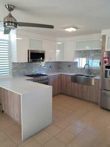 •Gabinetes de cocina •Muebles de baño •Camas de Pared •Topes en Granito •Cuarzo •Muebles de Oficina •Trabajos Comerciales •Trabajamos en PVC y Madera de alta calidad •Facias en PVC •y Más   ¡Todo hecho en Puerto Rico 100% Madera!