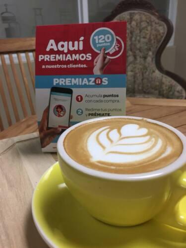 •Café Artesanal • Frozen Coffee •Avenas Artesanales •Frappe Artesanal •Postres •Tostadas •Bagels •y mas