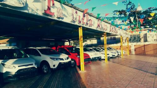 • Dealer de autos usados