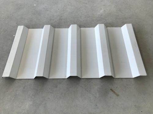 Dorado Steel Manufacturing LLC, cuenta con la tecnología más avanzada en el proceso de manufactura, lo cual nos permite procesar las órdenes de nuestros clientes en menos de 24 horas. Ofrecemos una gran variedad de productos en planchas de galvalume y vigas de acero galvanizadas tipo C y Z.