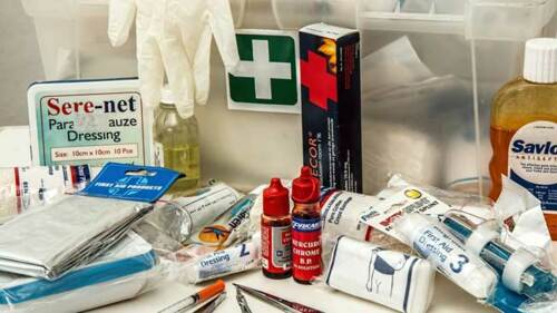 •Farmacia •Perfumería •Escuela- efectos y equipo •Pagos de agua y luz •Foto revelado •Gift shop •Colmado •Fotos 2x2