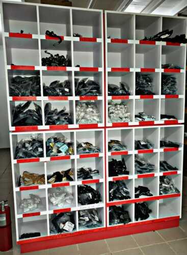 • Venta de piezas y accesorios nuevos y usados • Tenemos el mayor inventario de piezas nuevas y usadas al mejor precio