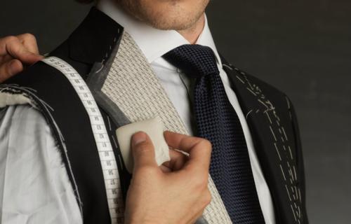 •Montaje Zipper •Ruedo Pantalones •Ruedo Chaqueta •Ruedo Vestido •Ajuste Cintura •Neggas •Entalles •Elasticos •Entre Otros