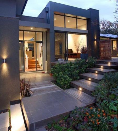 •Construcción general •Remodelaciones interiores • Terrazas • Fachadas •Trabajos en Gypsum board