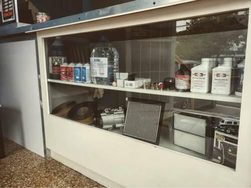 Nos dedicamos a la venta de piezas de aire acondicionado para todo tipo de autos, camiones, máquinas y autos americanos, europeos y japones.
