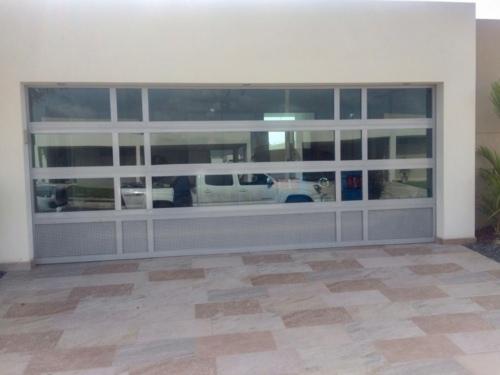 -Puertas y Ventanas de Aluminio -Puertas de Garaje -Portones Eléctricos -Rejas -Servicio, mantenimiento y reparación de puertas de garaje y portones eléctricos.